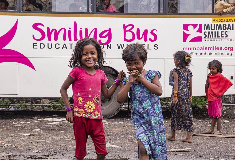 smiling_bus_web